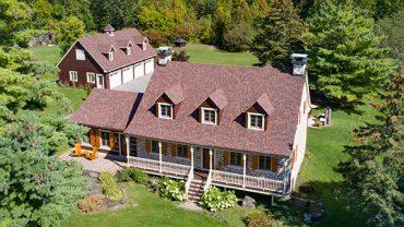 L'histoire fabuleuse d'une maison construite dans les années 1800… <br> à vendre sur LesPAC!