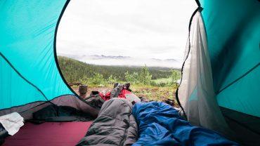 Les essentiels à mettre dans son sac pour partir en camping