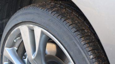 Est-ce que les pneus neufs offrent plus <br>de performance que les pneus usés?