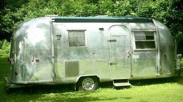 Une roulotte antique Airstream 1964 <br>à vendre sur LesPAC!