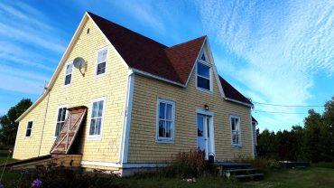 Maison ancestrale avec vue sur la mer à louer sur LesPAC!