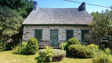 Une magnifique maison ancestrale à vendre en face de la gare de Repentigny