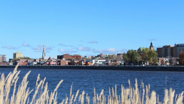 Rimouski, parmi les villes avec la plus forte hausse de ventes de résidences au Québec.
