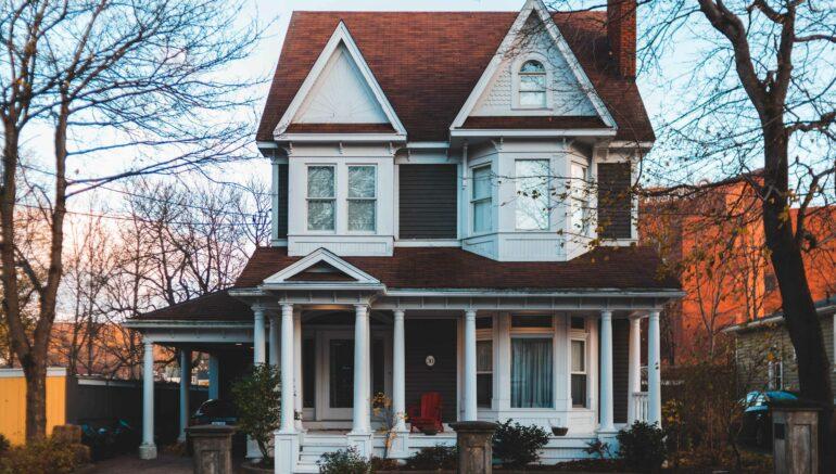 Faire l'achat d'une maison centenaire : voici quelques points à considérer!