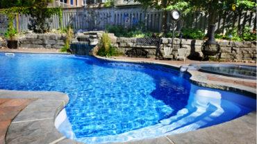 Petit guide d'entretien de la piscine pour une eau claire et limpide!